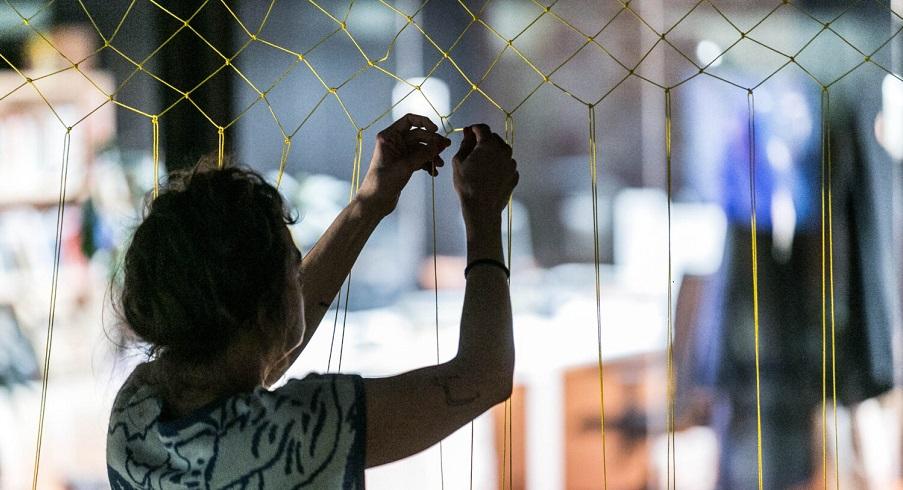 Artista-trabaja-en-el-centro-de-residencias-de-Matadero-1500x1000
